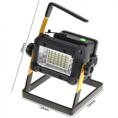 Kültéri akkumulátoros led reflektor, hordozható munkalámpa 50W