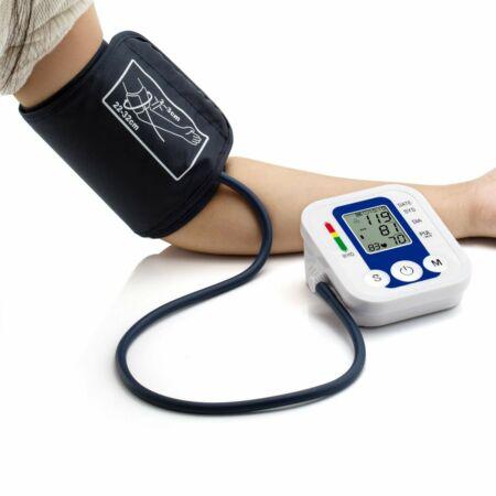 Felkaros digitális vérnyomásmérő WHO skálával. MS-230